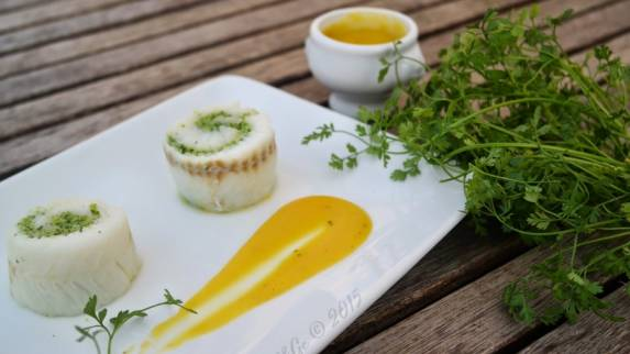 Roulade de merlan farce cresson et beurre d'orange