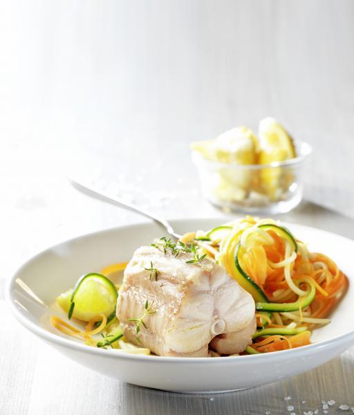 Roussette et tagliatelles de légumes sur crème citronnée - © Cooklook