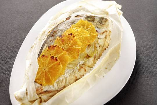 Dorade grise fenouil et orange en papillote - © Cooklook